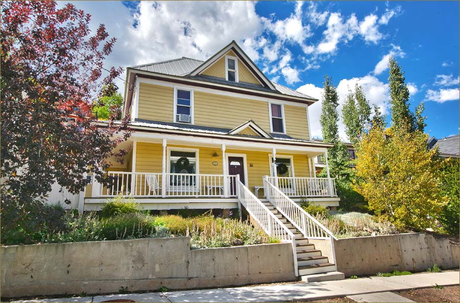 Historic remodeled 3 bedroom, 2 bathroom luxury vacation rental home in Old Town Park City, sleeps 9.