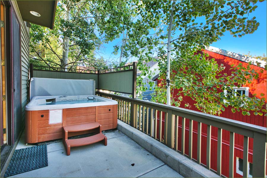 Outdoor Private Hot Tub On The Deck Right Outside The Master Bedroom.